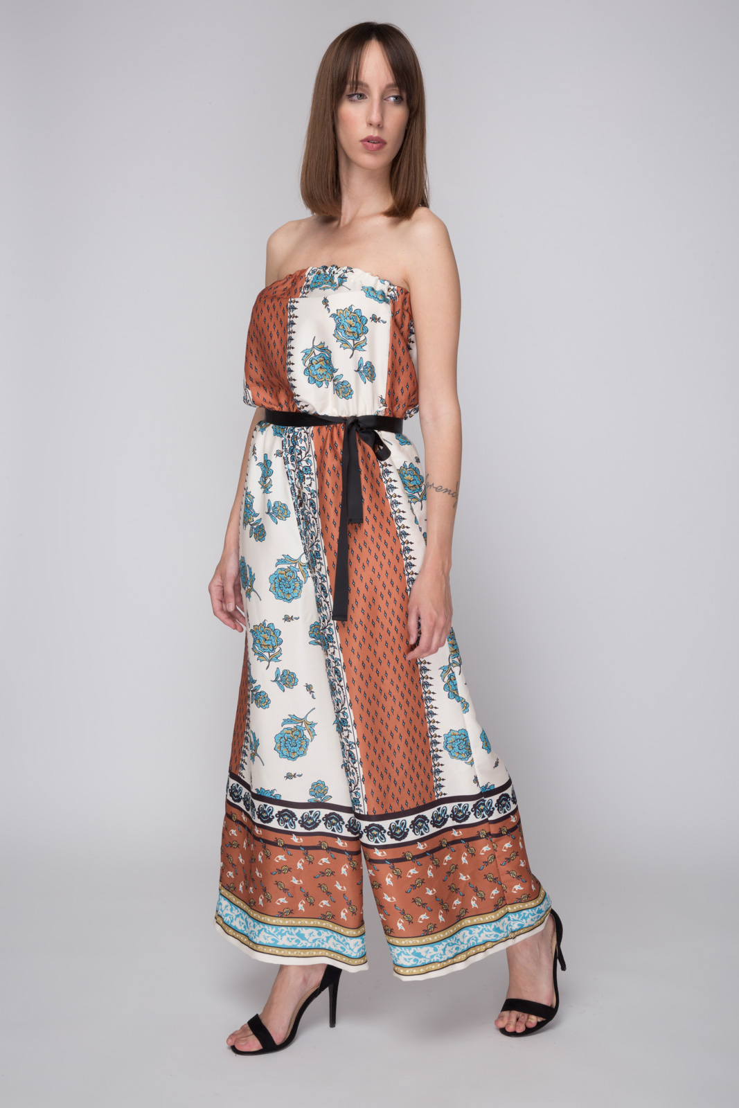 Γυναικεία Φορέματα χρώματος ΚΟΡΑΛΙ  51c9042cb77