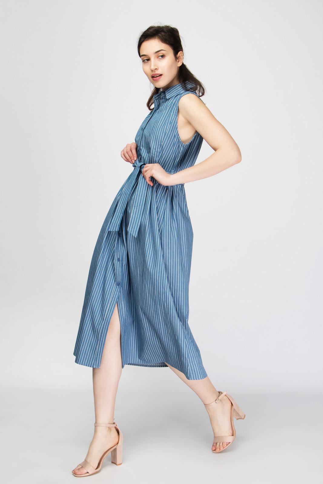 Ριγέ Ντένιμ Φόρεμα με Ζώνη